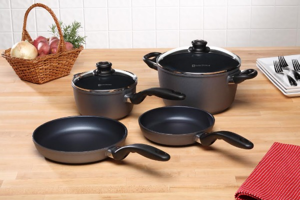 Kitchen Cookware & Tools